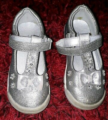 Girls Silver Sandals Shoes size 7