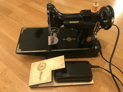 Singer 221k Featherweight 1951, acc, case & engraved pedal adapter, serviced