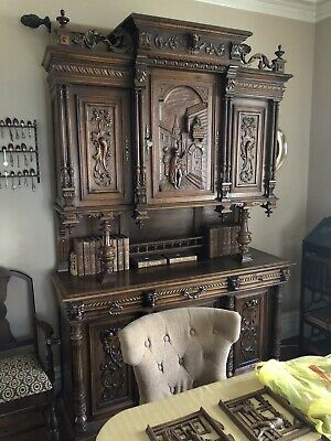 HIGHLY CARVED FRENCH BRETON CABINET, 19th century ( 1800s )