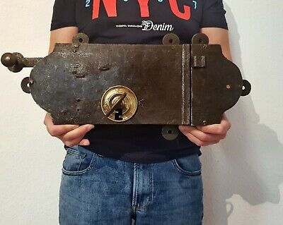 EXTREMELY LARGE RARE ORIGINAL HEAVY CASTLE IRON DOOR LOCK WITH KEYS 20,86 inch