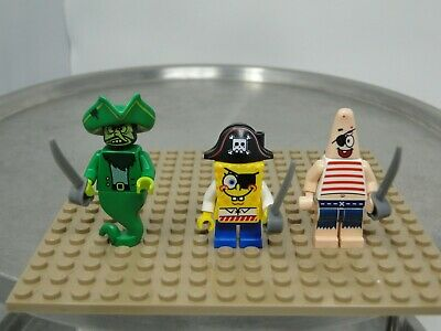 LEGO Lot of 3 Pirate Minifigures w// Skeleton Treasure Chest w// 6 Gold Coins D15