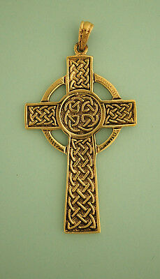 Beautiful Vintage Gold Large Scottish Iona Cross Pendant with Celtic Knot