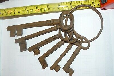 Old Rusty Large Skeleton CASTLE DOOR CHURCH JAIL Prison Lock Safe KEYS Decor