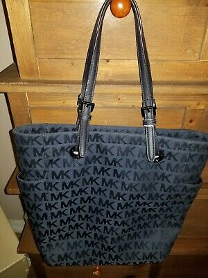 Michael Kors signature Tote with Magnetic Clasp, Navy blue