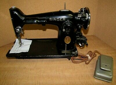 1941 SINGER SEWING MACHINE MODEL 201 HEAVY DUTY, GEAR DRIVEN, w/power & pedal
