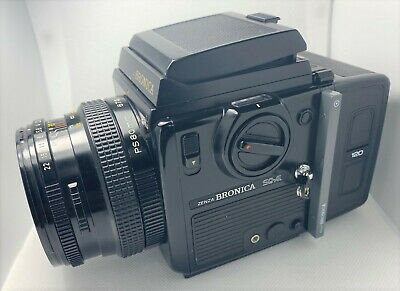 BRONICA  SQ-Ai 6X6 CAMERA Complete  PS80mm, Waist Viewer, 120 Back, EXCELLENT