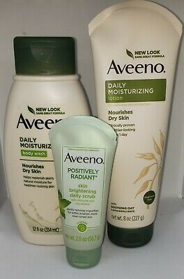 Aveeno Most Loved Best Sellers Gift Set Daily Moisture Daily Scrub & Body Wash