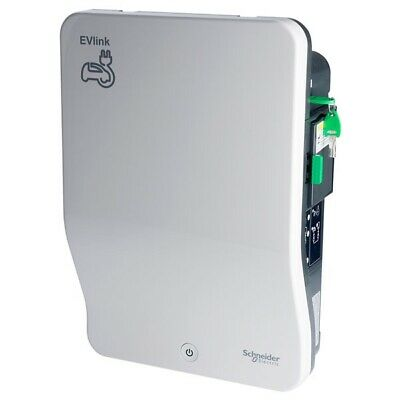 Schneider Electric EVB1A22P4KI 22kw Charger Type 2S Shuttered Socket and Key