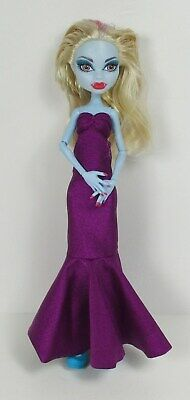 ABBEY Bominable Abominable Snow Monster High Girl Doll Gown Genie Shoes Mystery