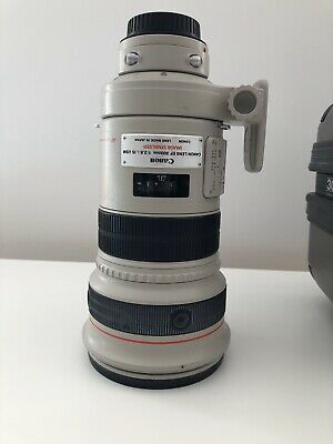 Canon Telephoto EF 300mm f/2.8L IS USM with hard case