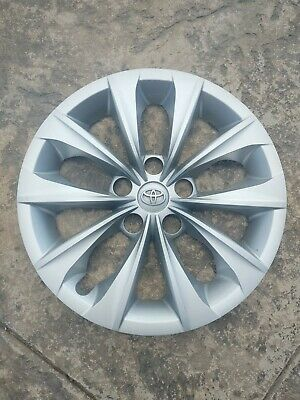 """Toyota OEM 16"""" Camry Hubcap Wheel cover  original factory Awesome !!"""