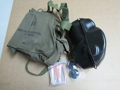 Vintage M17A2 Chemical Biological Gas Mask Unused Size Small