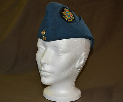 Used Royal Canadian air force cadet wedge size 7-1/4 with badge (refw6Box146)