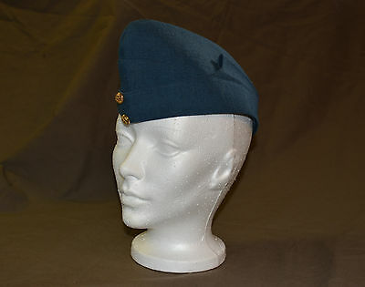 Used Royal Canadian air force cadet wedge size 7 with badge (refw5Box146)