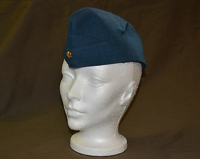 Used Royal Canadian air force cadet wedge size 7 with badge (refw2Box146)