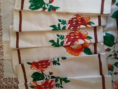 """Vintage Linen White Floral Border Tablecloth With Matching Napkins 1970's 63x52"""""""
