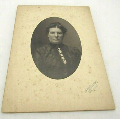 Cabinet Card Photo,Pretty Young Lady Portrait  Cleveland,OH
