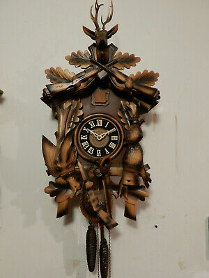 Vintage CUCKOO CLOCK MFG CO BLACK FOREST HUNTER CLOCK Airbrush Paint Style