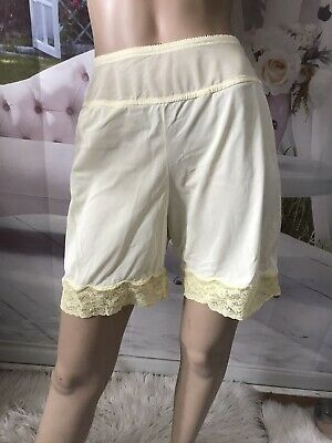 Vintage Bloomers With  Lace Trims Petipants Sleepwear Size M