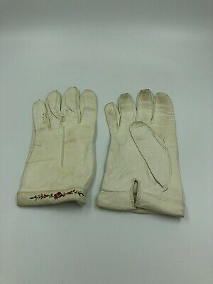 Job Lot Of Vintage Gloves And Cotton Case