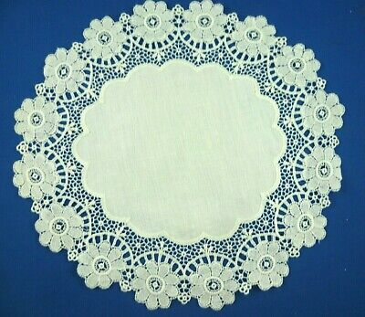 VINTAGE WHITE FLORAL LACE EDGE ROUND DOILEY WITH WHITE CENTRE  25 cms across