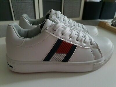 Tommy Hilfiger Low Cut Lace-up Sneakers