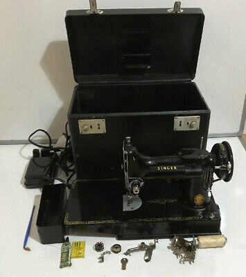 Vintage Singer 221K Portable Featherweight Sewing Machine, Serial No. EK207678