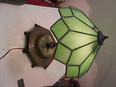 Beautiful  Colonial Premier  Lampette Table Or Desk Leaded Glass Shade Repaired