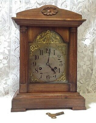 Antique English Oak Mantel / Bracket Clock. C1900-1910