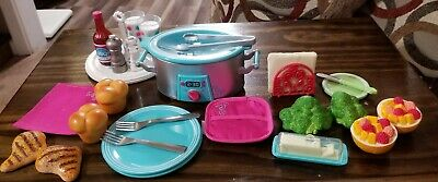 2pcs American Girl Lunch Dinner Plates from Slow Cooker Dinner Set New