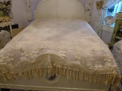 Beautiful Vintage Off White Crochet Lace Bed Coverlet With Fringe 84X75