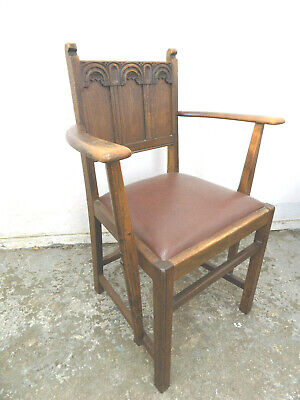 six,oak,1930's,gothic,panel back,dining chairs,square legs,2 carvers,4 chairs