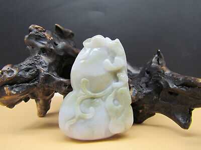 AAAAA Chinese Hand-carved aristocratic wearing Jadeite jade pendant Fugu