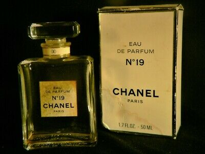 Eau De Parfum No. 19 CHANEL Paris Box Bottle Trace Perfume Used AS IS