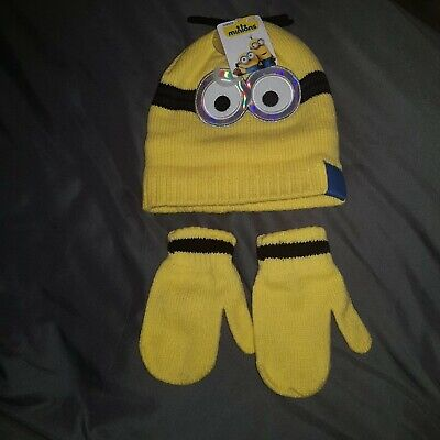 BNWT - MINIONS Hat and Glove set Age 3 - 6 years