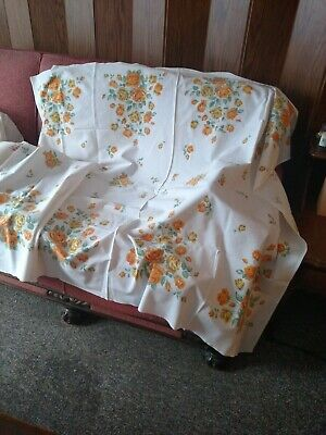 vintage tablecloth yellow & gold Roses