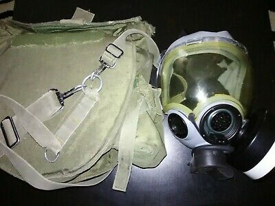 Msa Cbrn Navy Gas Mask Size Med, With M40 Bag, C2 Canister, M101 Microphone