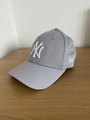 New Era New York Yankees Cap 9Forty - Grey ONLY WORN TWICE