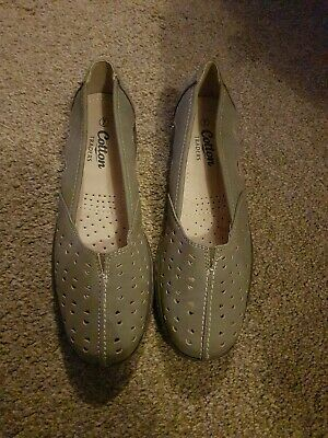 Cotton traders ladies shoes size 7. New without box