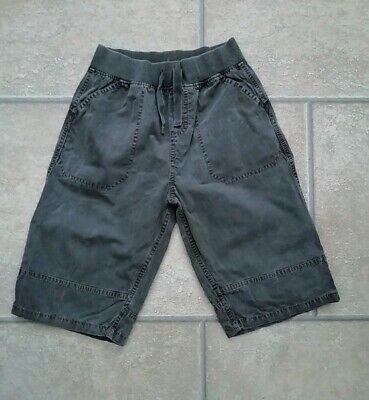 Boys M&S Elasticated Waist Shorts Age 9 Years.