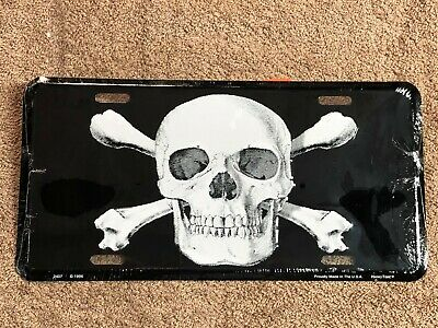 Skull With Crossbones~~  Metal License Plate ~ Car Truck Automobile