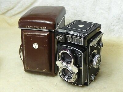 YASHICA MAT EM  TLR CAMERA MEDIUM FORMAT With LEATHER CASE RARE
