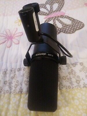 Shure SM7B Dynamic Wired Professional Legendary Cardioid Vocal Microphone Black