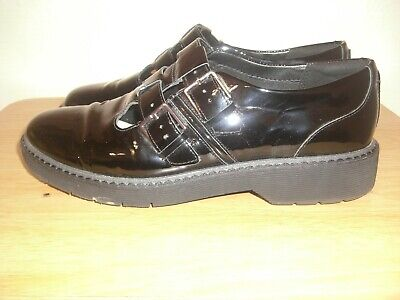Clarks Black Patent Leather Double Buckle Casual Shoe Size 7 Uk D Fitting