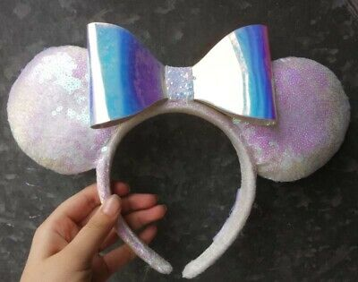 Disney Parks Minnie Mouse White Iridescent Sequin and Bow Ears Headband new