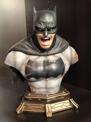 "Prime 1 "" DARK KNIGHT RETURNS "" Bust (black version)"