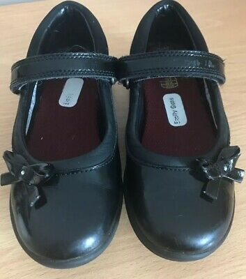 Clarks Girls School Shoes Size 10G  Infant - Black Patent Used - Good Condition