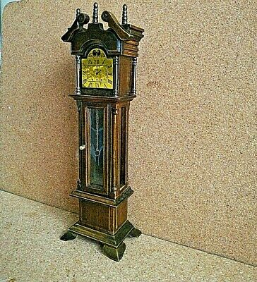 Grandfather Clock 18.5cm tall for 1/12 scale doll house (oak colour)