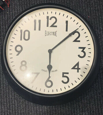 extra large 50s inspired Newgate wall clock