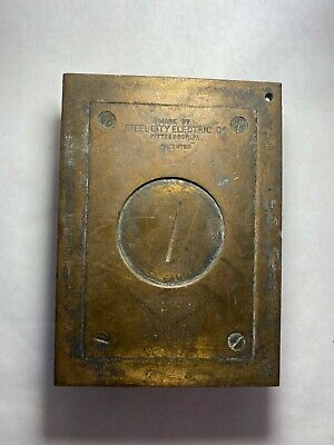 STEEL CITY ELECTRIC Co Pittsburgh PA Outlet Floor Screw Plate/Cover Brass Cast